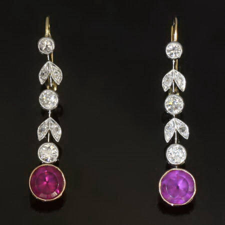 Antique jewelry Late victorian long pendent earrings with rose and old cut diamonds and garnets (ca.1890)